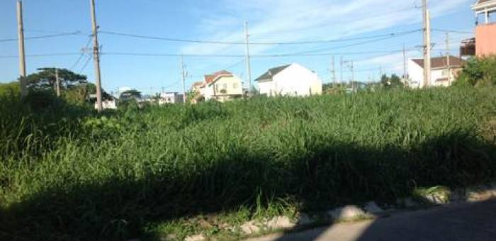 Lot for Sale in  Sta. Rosa, Tagaytay Road, Laguna